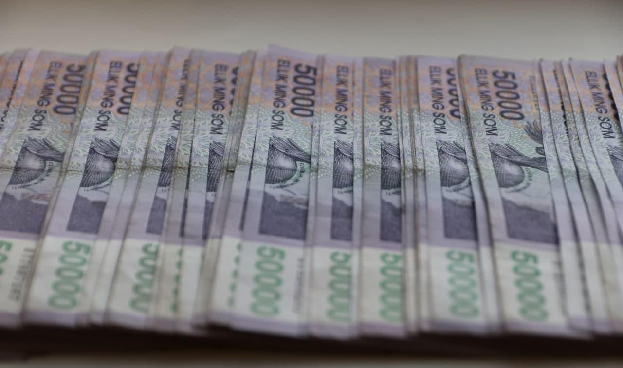 В Узбекистане повысятся минимальные зарплаты и стипендии