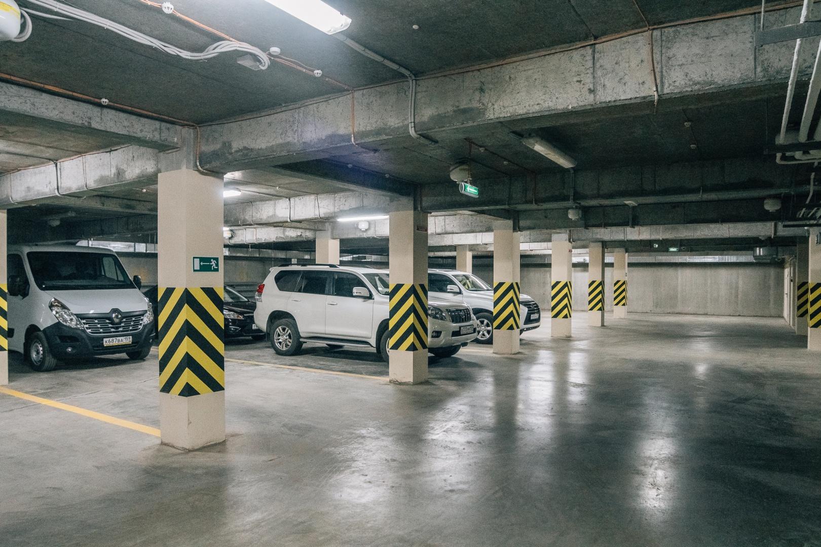 В Узбекистане ввели налог на машино-место