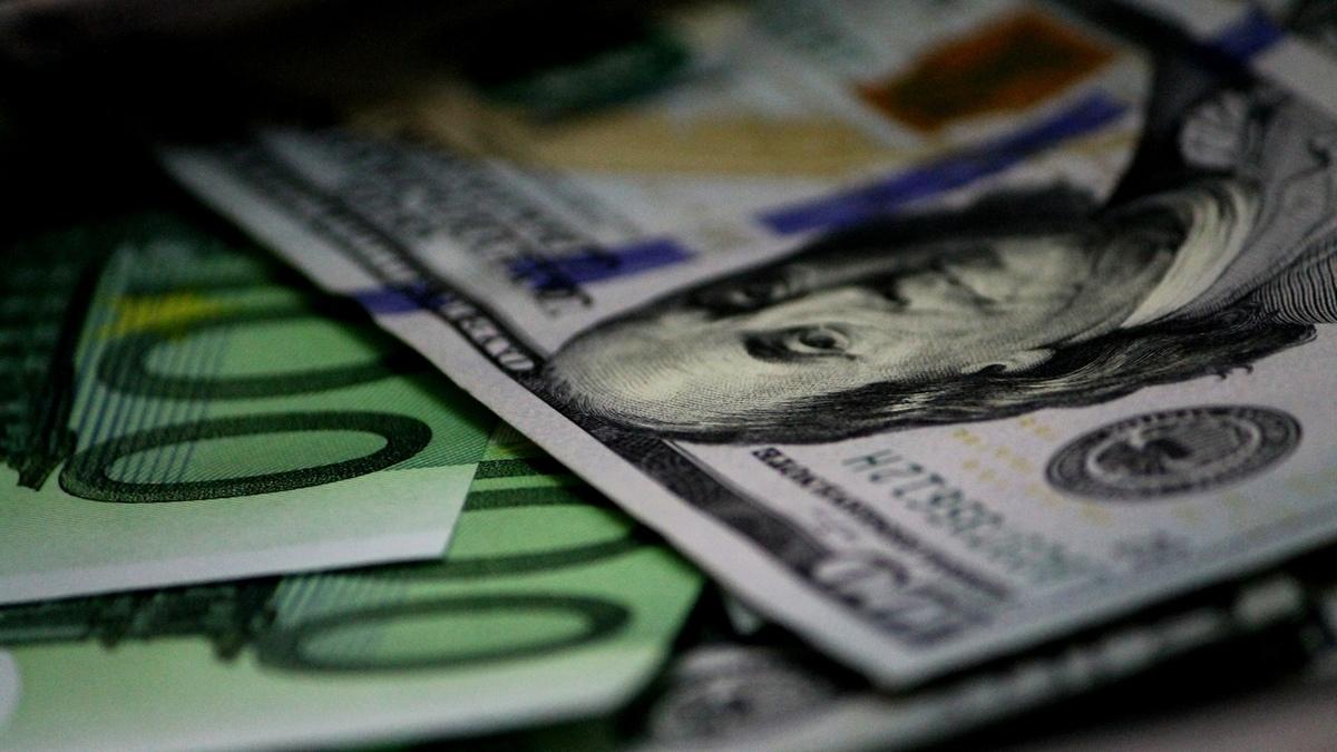 Эксперт определил лучшую валюту для сбережений в 2021 году