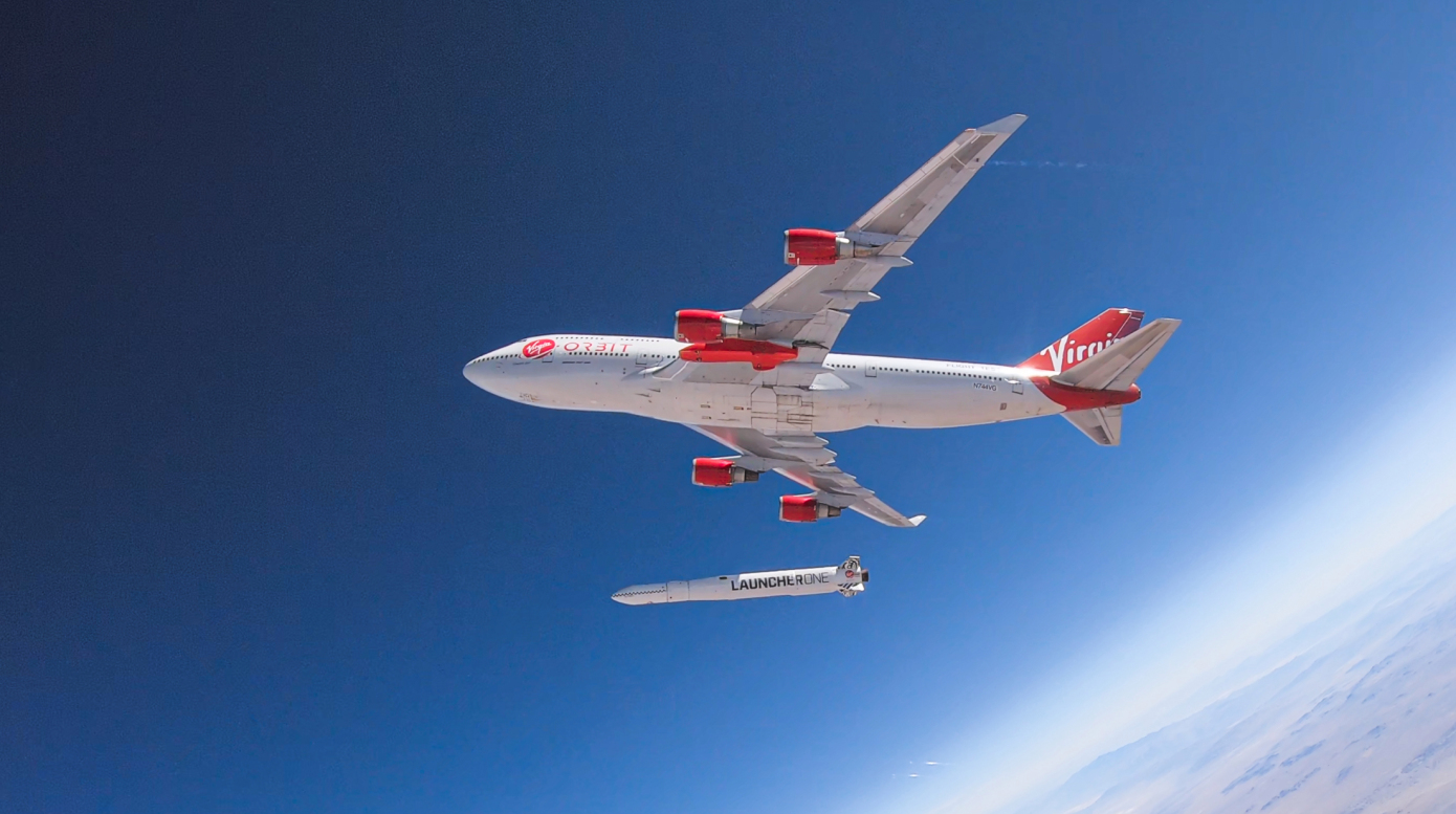 «Батут сработал не только у Маска». Virgin Orbit впервые запустила ракету в космос