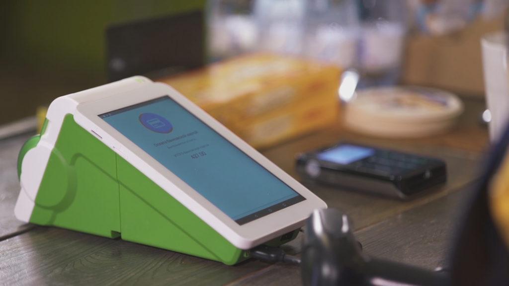 Людей, торгующих через соцсети обяжут получать ККМ и цифровой код