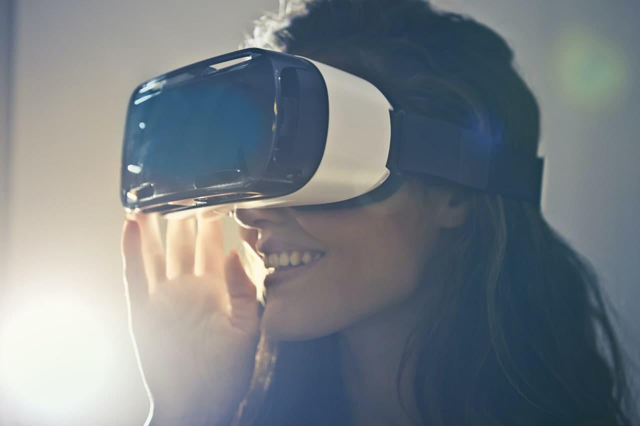 Стало известно, когда Apple выпустит свой первый VR-шлем
