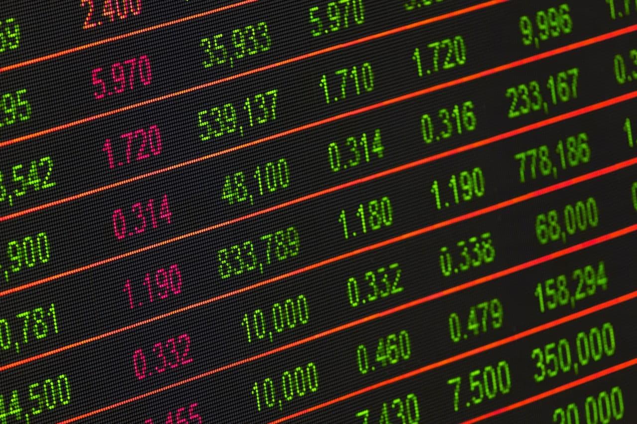 На бирже акции одной из страховых компаний выросли в 2 тысячи раз