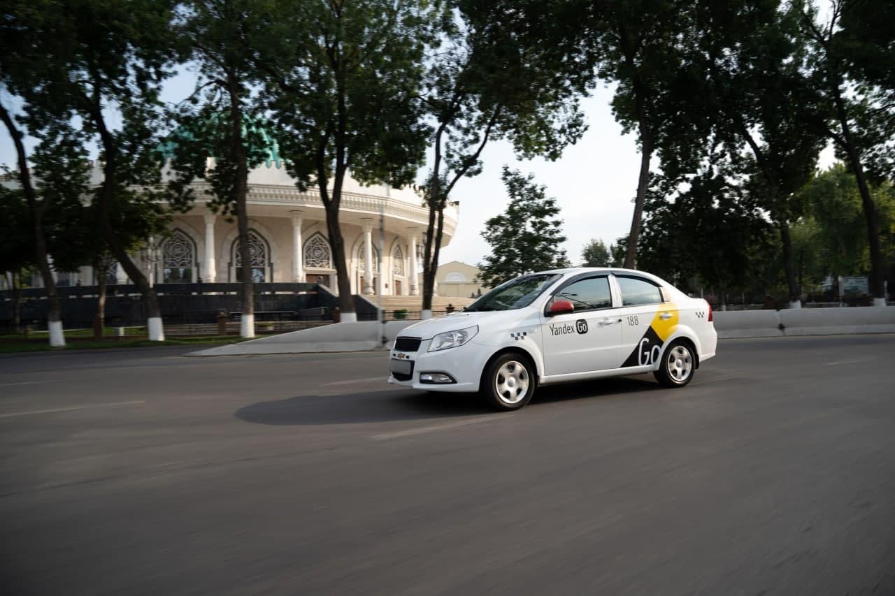Yandex Go начал принимать оплату картой
