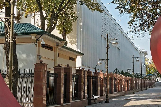 Начался прием заявок на покупку бывшего здания СГБ