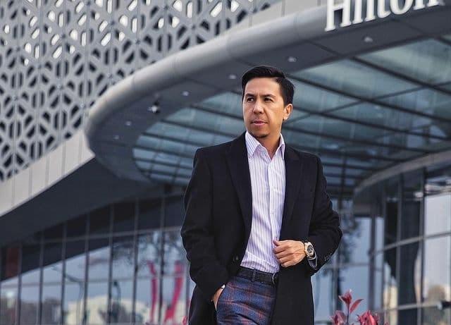 Рустам Авезов рассказал о том, как начать инвестировать, не имея миллионов в кармане