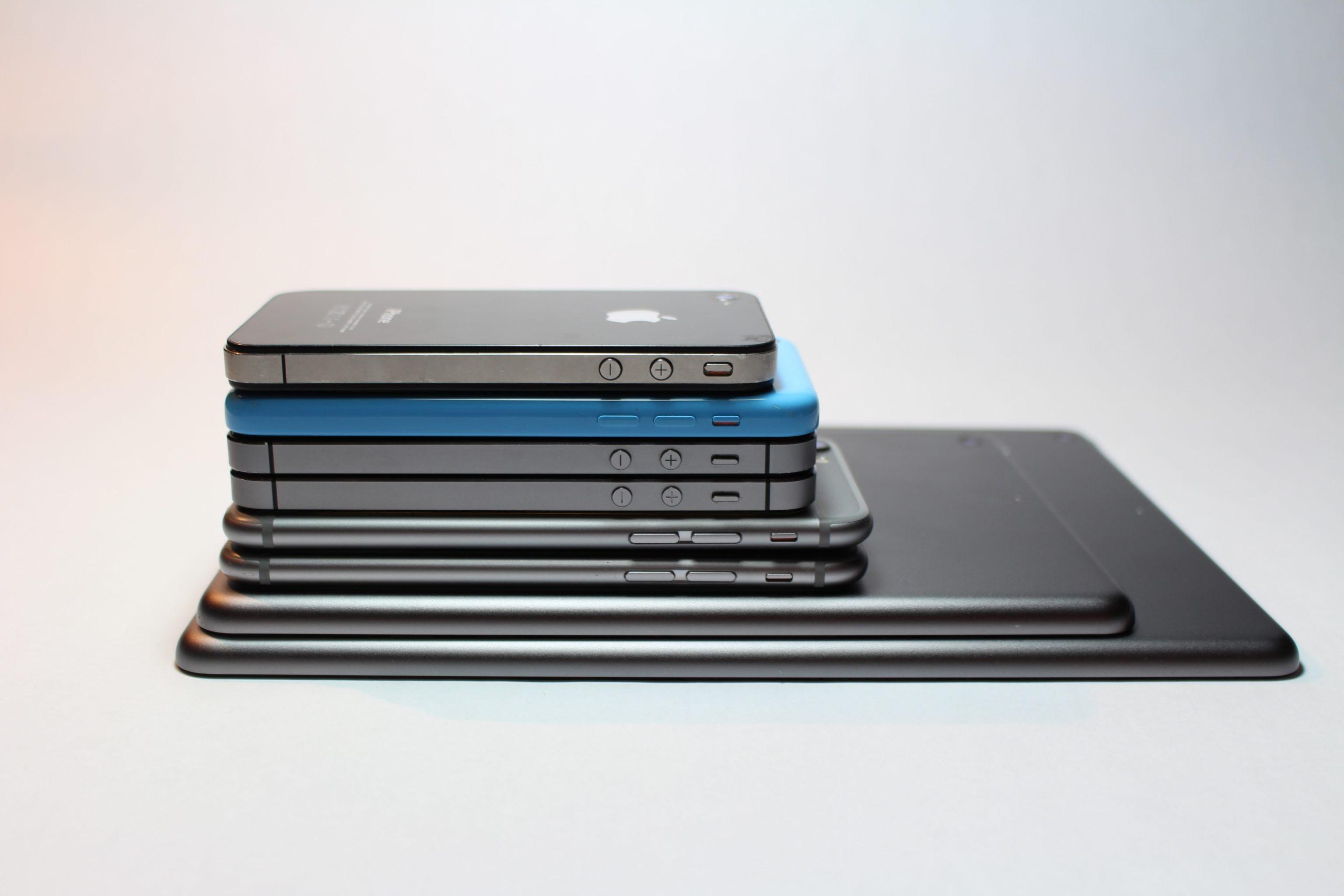 Стало известно, сколько мобильных телефонов импортировал Узбекистан за четыре месяца