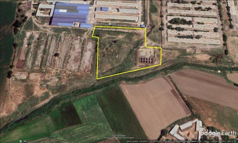 В Зангиоте выставили на продажу крупный участок земли за 1,5 млрд сумов
