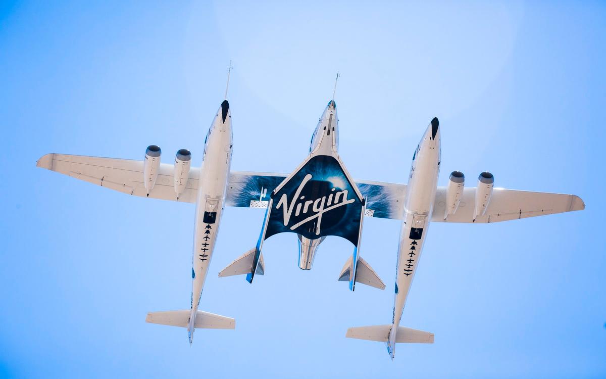 Акции Virgin Galactic взлетели после успешного полета Брэнсона
