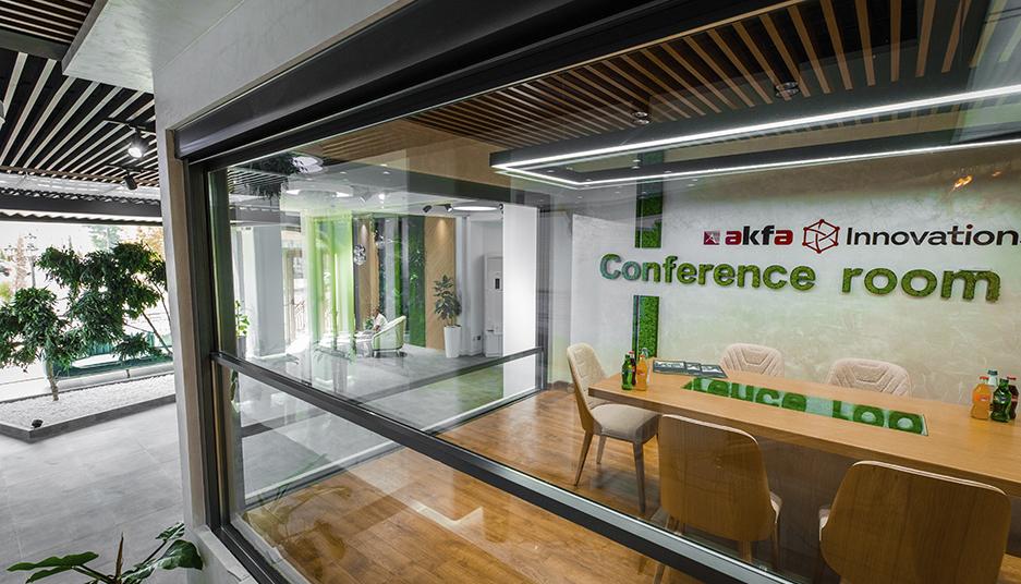 AKFA Innovations предлагает современное и стильное решение в остеклении террас