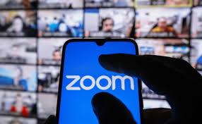 Zoom заплатит пользователям компенсацию по $15-25 из-за обмена данными с Facebook и хакерских атак