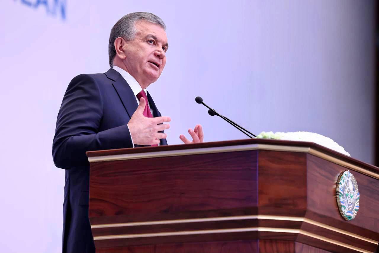 Президент поручил искоренить монополию в сфере железнодорожных грузоперевозок