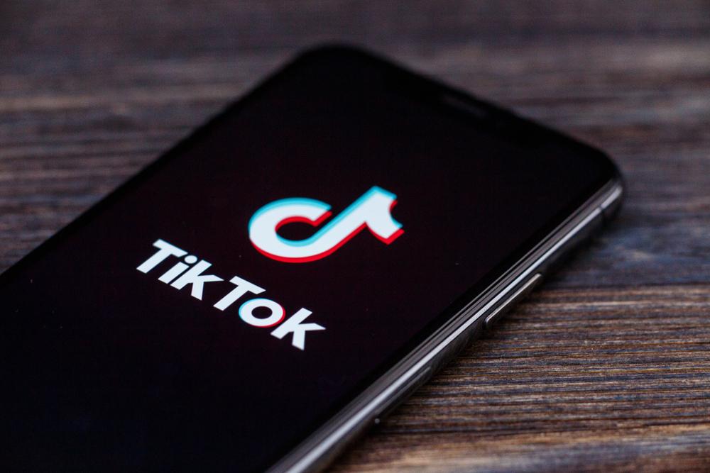 TikTok начнет отключать push-уведомления у подростков в вечернее время