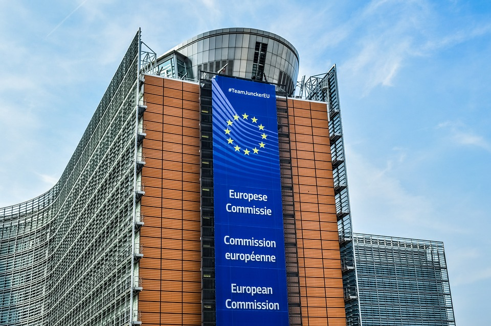 В Евросоюзе могут ввести единый разъем для зарядки мобильных устройств