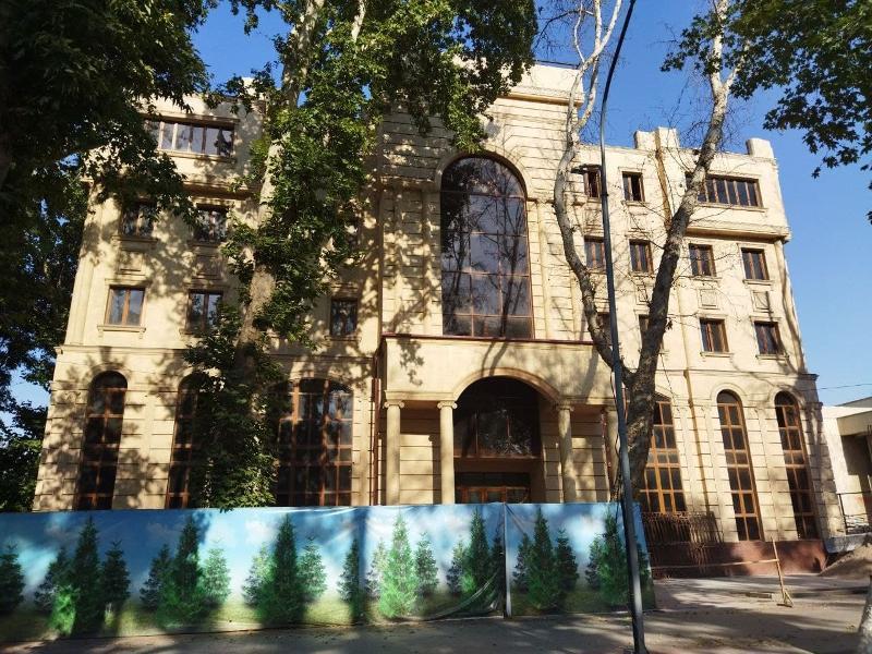 Здание возле театра «Илхом» выставили на аукцион